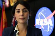 ببینید | دختر مهاجری که دنیا را تکان داد؛ از نظافت خانههای مردم تا حضور در پروژه بزرگ ناسا