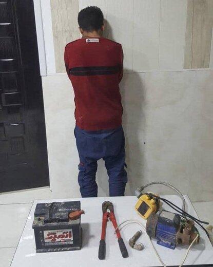 دستگیری سارق تجهیزات داخل خودرو با ۱۱ فقره سرقت در آبادان