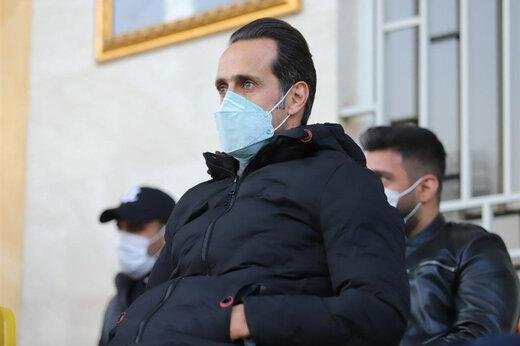 ببینید | تشویق ویژه علی کریمی در هنگام ترک سالن