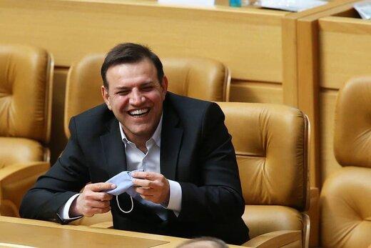 دفاع عزیزی خادم از انتخاب جنجالیاش!