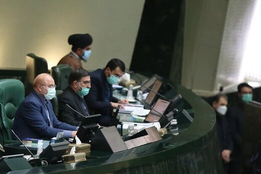 انتقاد تند از قالیباف: اینجا مجلس است نه پادگان نظامی /در مجلس یک حزب تشکیل داده اید و کسی هم نمی تواند حرف بزند