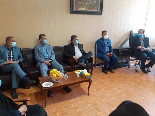جلسه نماینده ویژه رئیس سازمان بهزیستی کشور با مسئولین بهزیستی  کهگیلویه و بویراحمد در شهرستان دنا