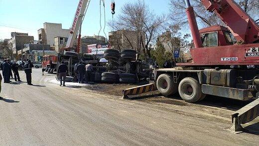 واژگونی میکسر در شهر همدان تلفاتی نداشت