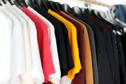رونق بازار عمده فروشان پوشاک / تخفیف ۵ تا ۵۰درصدی قیمت پوشاک در جشنواره نوروزی