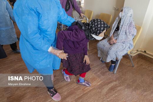 واکسیناسیون سالمندان تحت پوشش بهزیستی آذربایجان شرقی