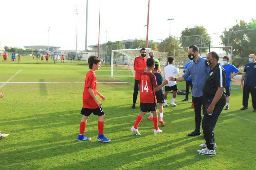علی کریمی اقامت امارات را میگیرد؟/عکس