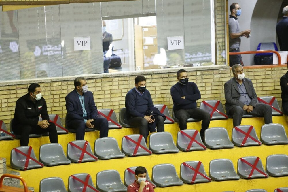 قلعهنویی تماشاگر ویژه لیگ برتر والیبال