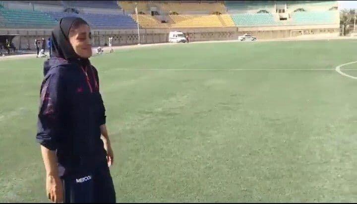 اشک های پرافتخاترین سرمربی فوتبال زنان ایران/عکس