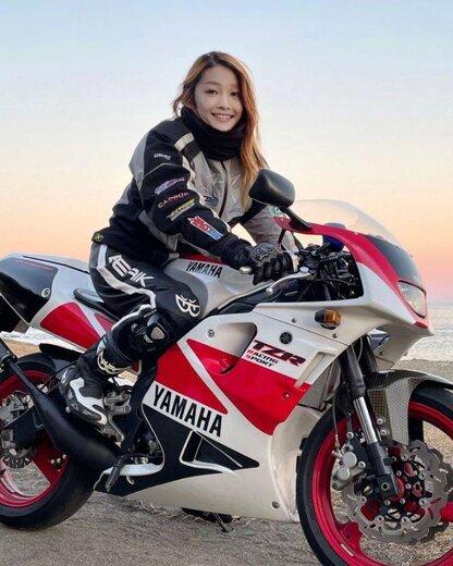 یک راننده موتور سیکلت در ژاپن
