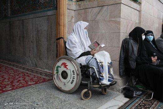 درخواست از آستان قدس: مشهد در وضعیت سیاه است؛ لااقل تردد در مکانهای مسقف حرم رضوی را مسدود کنید