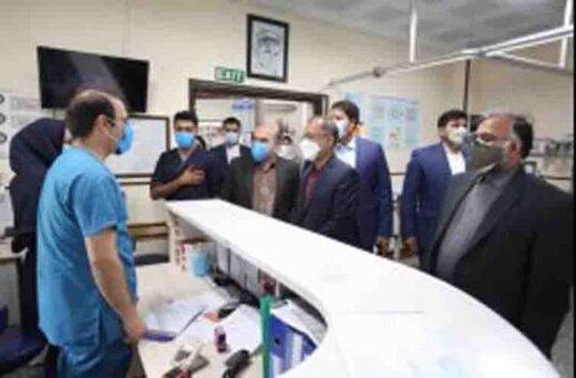 بازدید مسئولان سازمان از کادر درمان در نخستین ساعت تحویل سال نو