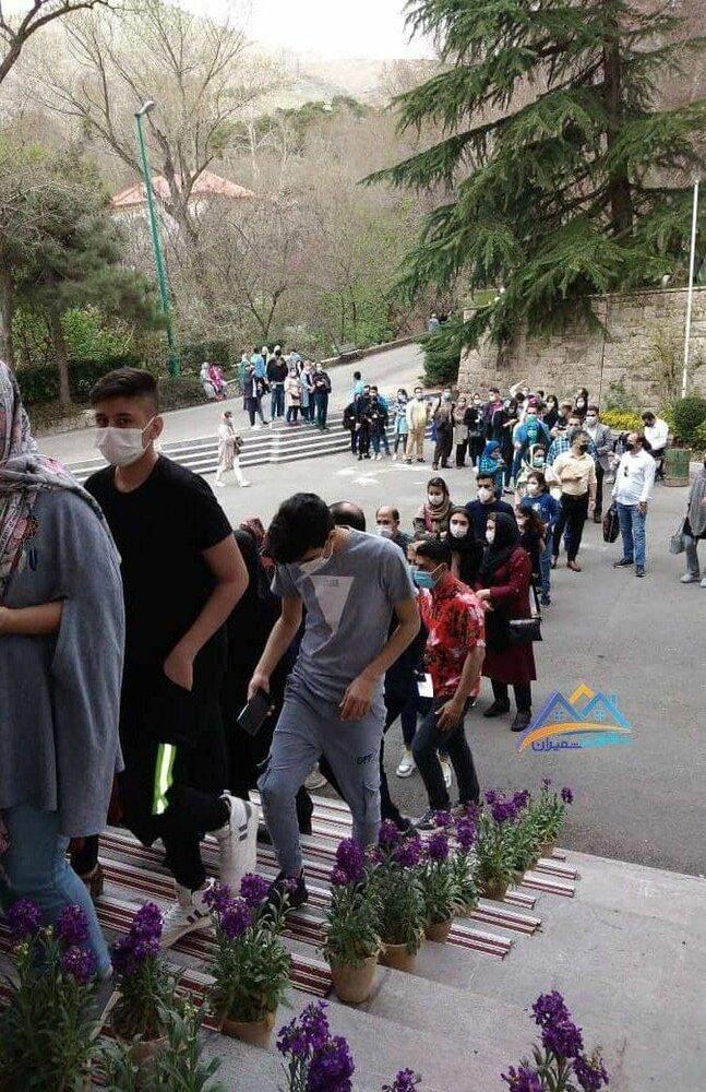 عکس | صف طولانی مردم برای بازدید از موزهها در تهران