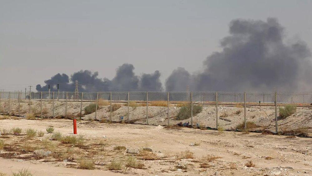 پایانه نفتی عربستان آتش گرفت