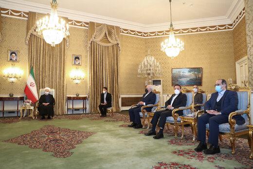 دیدار وزیر خارجه چین با دکتر روحانی