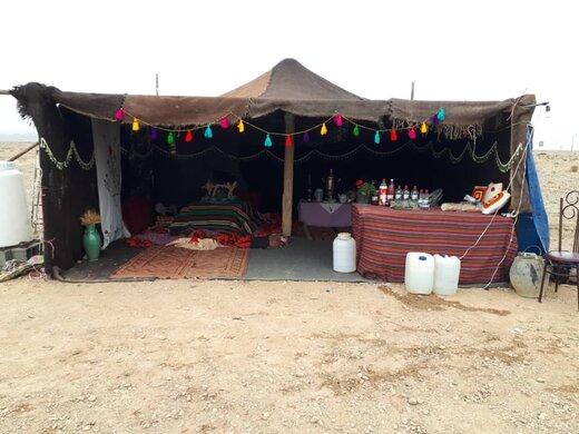 برپایی سیاهچادر عشایری در ورودی روستای قوشه دامغان