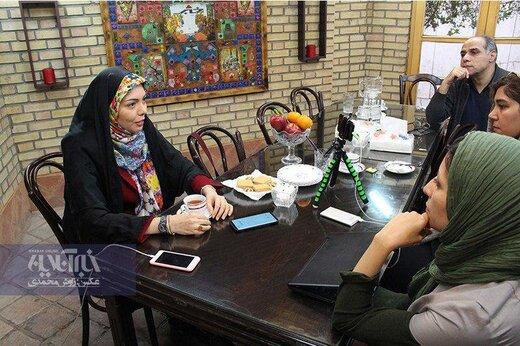 آزاده نامداری در کافه خبر