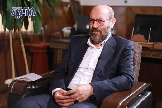 سردار دهقان: دنیا نباید احساس کند در ایران با یک جناح میتواند کار کند و با جناح دیگر نمیتواند/تا آخر میمانم