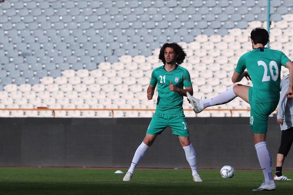 مردی با موهای پریشان در تیم ملی/عکس