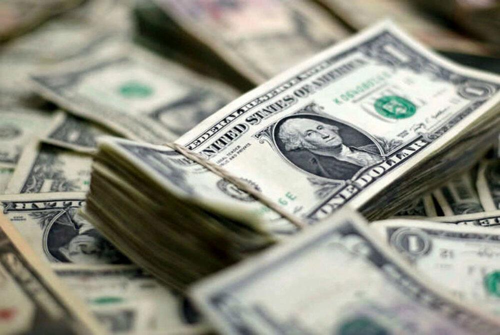 دلار در سال گذشته چقدر بالا و پایین رفت؟