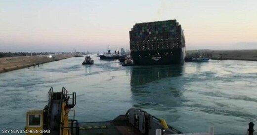کشتی گیرافتاده در کانال سوئز شروع به حرکت کرد