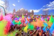 ببینید | تصاویری از هولی هند؛ کرونا مانع جشنِ رنگ هزاران نفر نشد