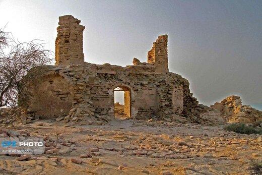 تیس؛ روستایی با جاذبه های طبیعی، تاریخی و دیدنی /سفری با تم وحشت برای کشف اسرار «گورستان جنها»!