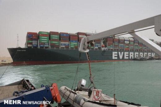 ببینید   چهار شبانه روز برای ناوبری کشتی های صف کشیده در دو سوی کانال سوئز زمان نیاز است