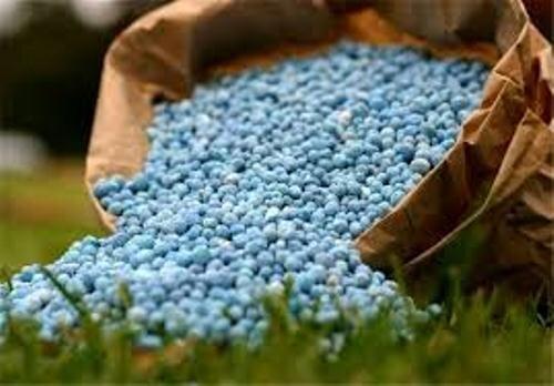 ۶۳هزارتن کود ازته در بین کشاورزان توزیع شد 