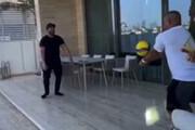 ببینید   والیبال بازی کردن گلزار با روبرتو کارلوس