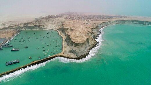 تلاقی صخره و دریا در بندر بریس
