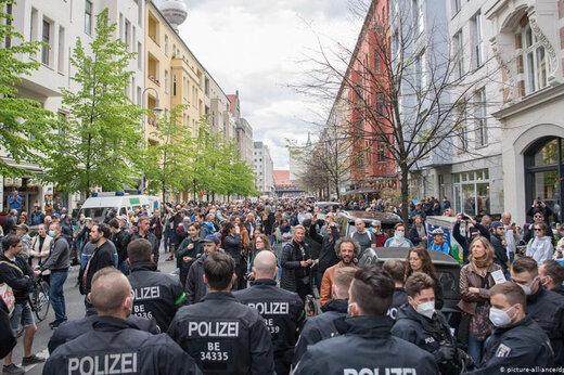 ببینید | اعتراض آلمانیها به سیاست دولت در قبال کرونا