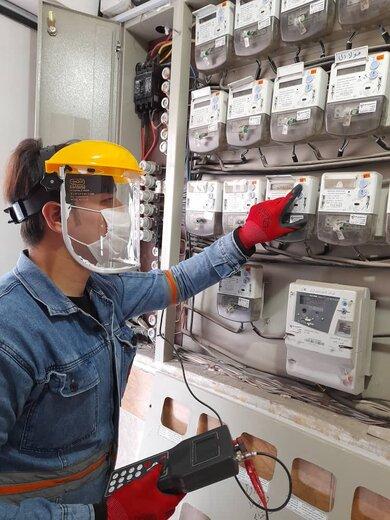 اجرای طرح تست و بازرسی ۱۱۵ هزار اشتراک برق در استان سمنان
