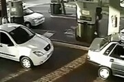 فردی که یک پمپ بنزین را آتش زده بود بازداشت شد