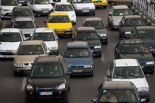 رکود حاکم بر بازار قیمت خودرو را شکست/ پژو پارس ۲۱۸ میلیون تومان شد