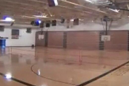 ببینید | پودر شدن سالن ورزش در کسری از ثانیه توسط رعد و برق