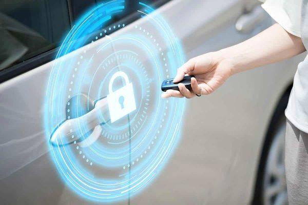 بررسی تفاوت دزدگیر و ردیاب خودرو، کدام یک برای پیشگیری از سرقت ماشین کاربردیتر است؟