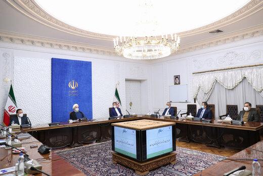 روحانی: سیاسیون نباید اظهارات اقتصادی را با نظر سیاسی یکسان بپندارند