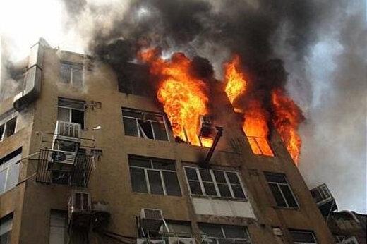 ببینید | نجات مردم با لودر از آتشسوزی!