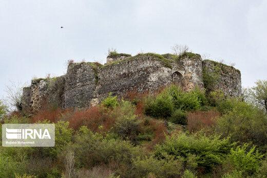 قلعه تاریخی لیسار، از یاد رفته ای هزار ساله