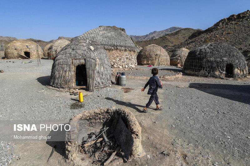 5552408 - تصاویر | قابهایی قابل تامل از روستای کپرنشین «بارگدان»