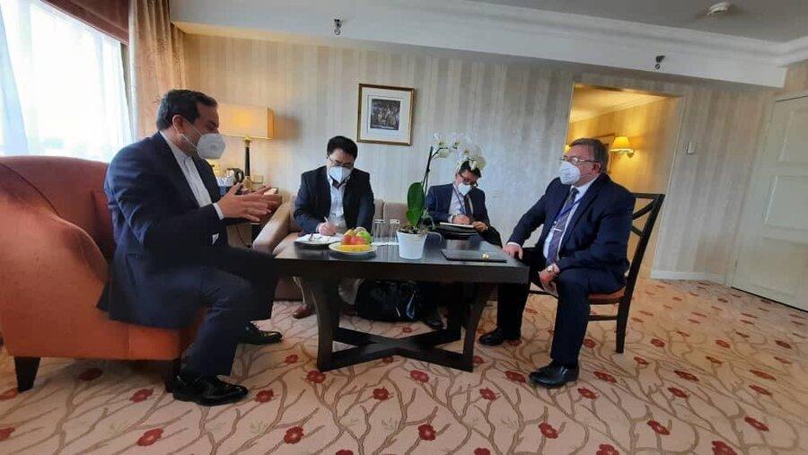 عکس | نشست سه جانبه ایران، چین و روسیه در حاشیه مذاکرات برجام