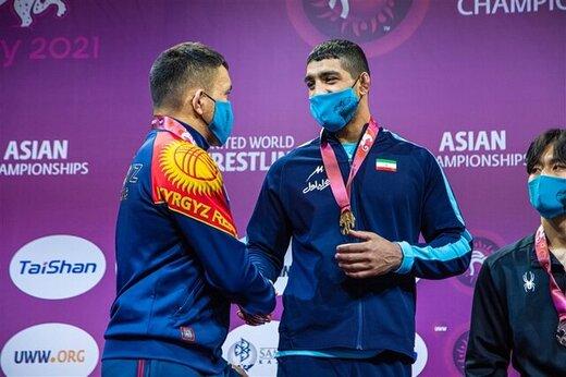 ببینید | اولین مدال طلا ایران در رقابتهای کشتی آزاد قهرمانی آسیا
