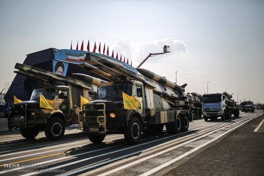 قدرت نمایی موشکی و پهپادی ارتش با شعار «الموت لاسرائیل» /کدام تجهیزات نیروی پدافند هوایی ارتش به نمایش در آمد؟