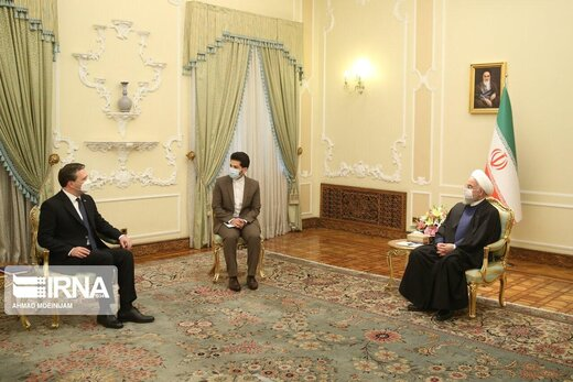 President calls for Tehran-Belgrade cooperation in int'l forums