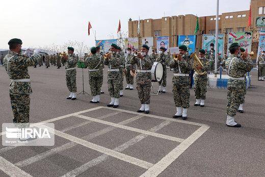 مراسم رژه به مناسبت روز ارتش جمهوری اسلامی ایران در تبریز