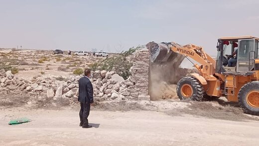 ۳۵۰۰ مترمربع اراضی خالصه دولتی به ارزش ۱۴ میلیارد ریال در روستای ریگو قشم رفع تصرف شد
