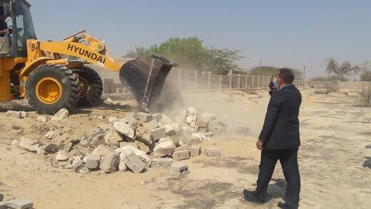 رفع تصرف ۶۲۴۰ مترمربع اراضی خالصه دولتی به ارزش ۹.۳ میلیارد ریال در روستای رمکان قشم