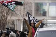 ببینید | شادمانی مردم آمریکا پس از گناهکار شناخته شدن قاتل فلوید