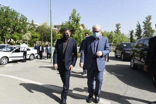 وزیر بهداشت: از کسانی خنجر میخورم که نمیدانم چه میخواهند