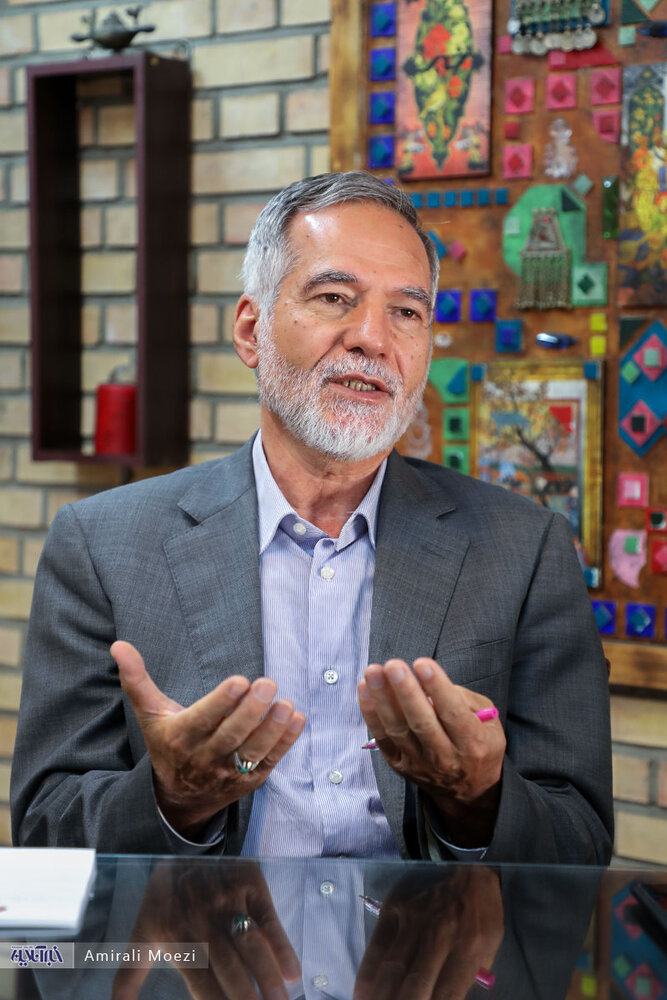 احمدی نژادِ سال ۱۴۰۰ از نگاه وزیرش /موسوی و کروبی بگویند اشتباه کردند